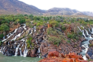 Die ongelooflike mooi Epupawaterval,op die grens tussen Namibie en Angola.